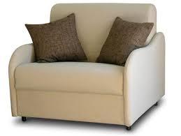 Per ottimizzare anche i piccoli spazi di casa affidati all - Poltrona che diventa letto ...